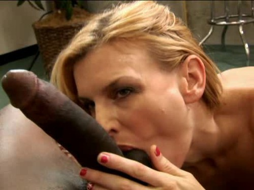 Francine getting her hairy cunt stuffed while spanksafe
