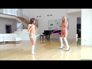Remy lacroix lexi belle hula hoop photo 2