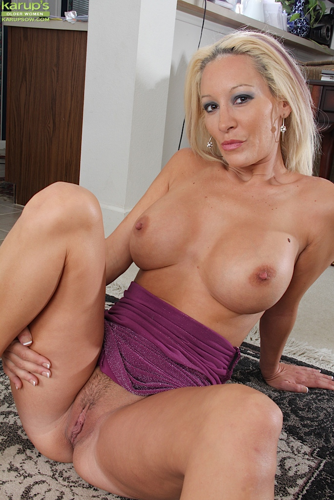Brea pussy and tits showing images for brea tits and pussy jpg photo 2