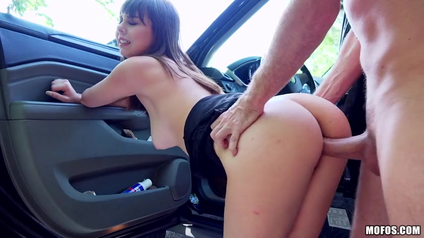 Sex in a car xxx