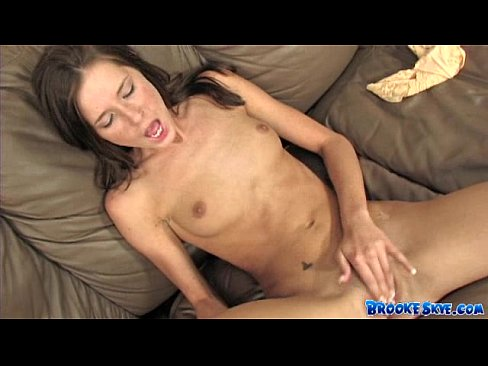 Jerk off in her mouth