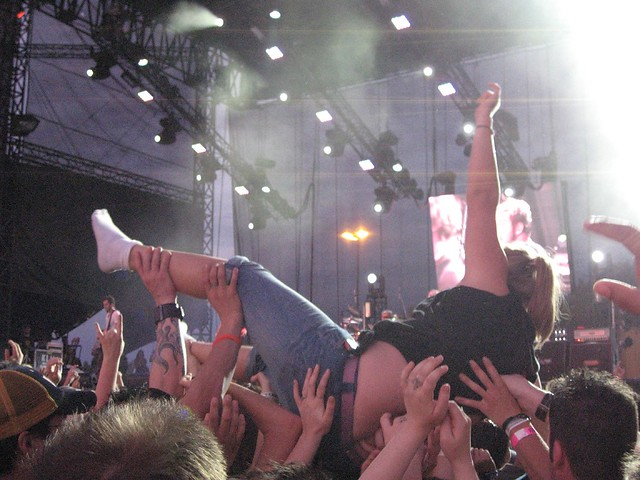 Girl stripped while crowd surfing photo 2