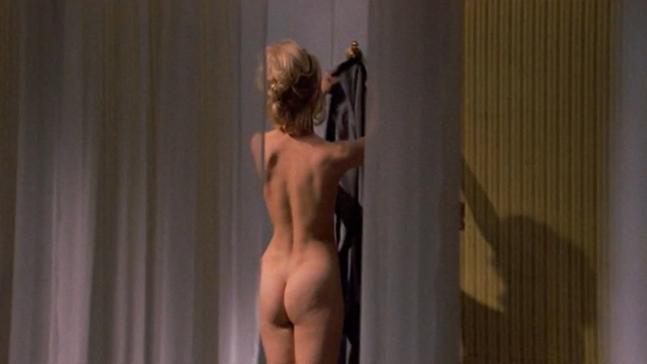 Goldie hawn nude theres a girl in my soup photo 2