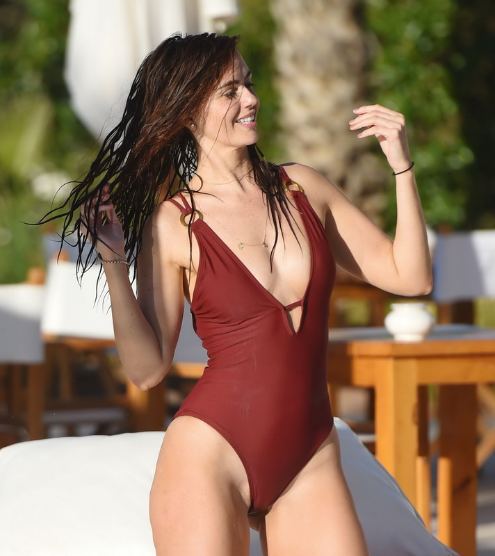 Jennifer metcalfe leaked pictures