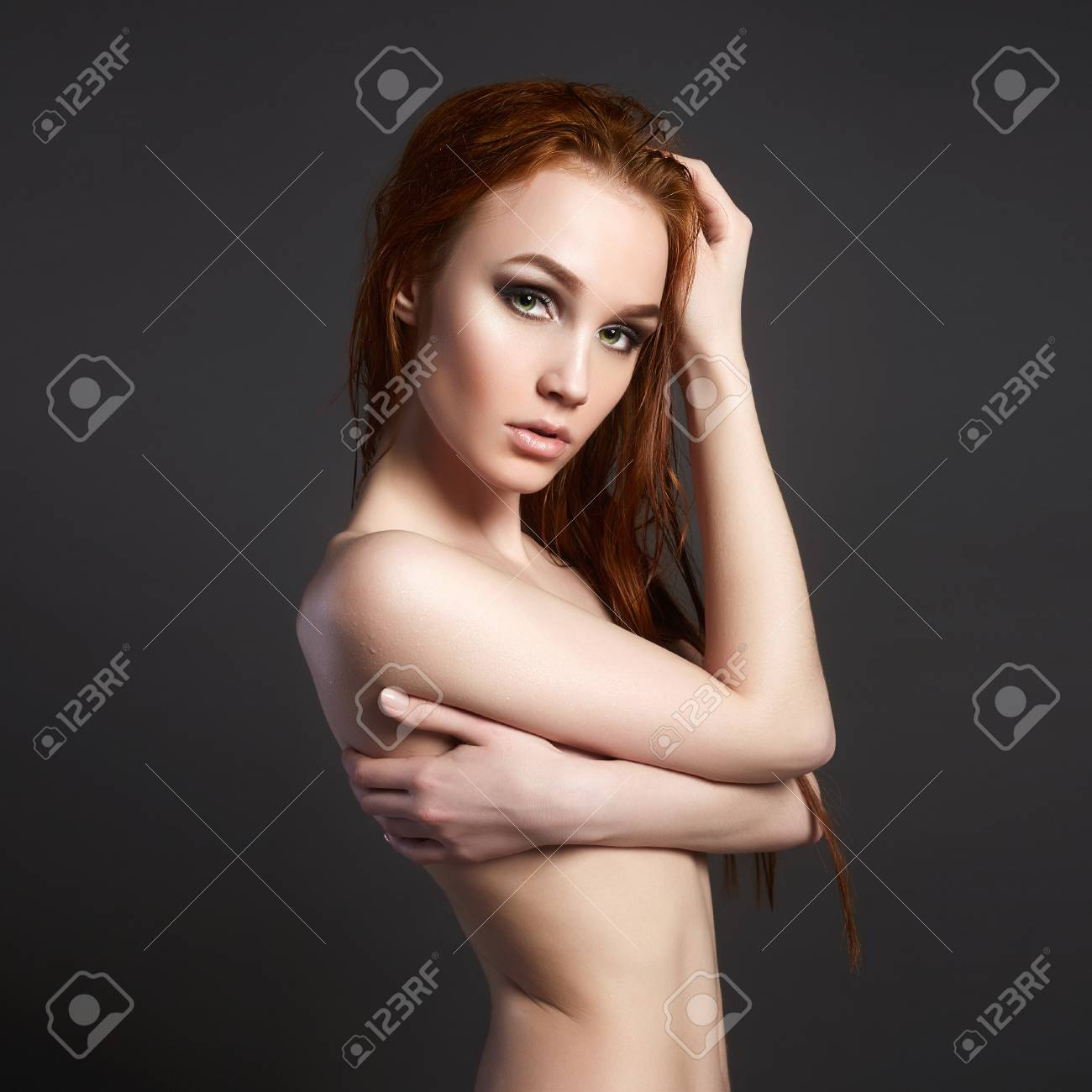 Red hair girl nude photo 2