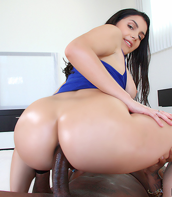 Phat Anal Fucking - Sexy babe with strap black titspics - architectoffreetime.com